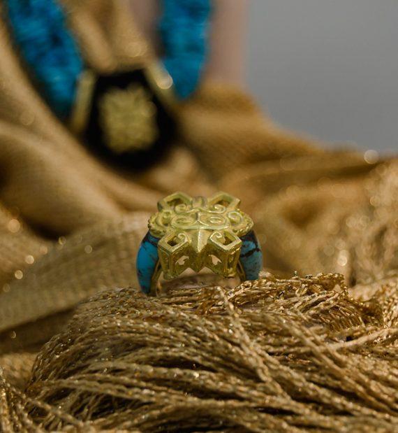 anello-oro-18kt-con-turchesi-iraniani